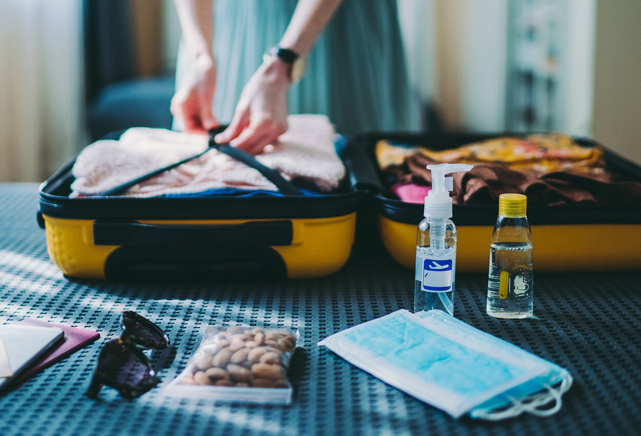 How to Stay Healthy While Traveling This Holiday Season